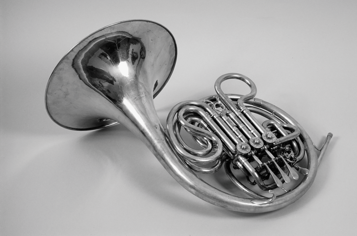Exquisite Brass Horn Model Miniature French Horn Stable Base Mini Instrument